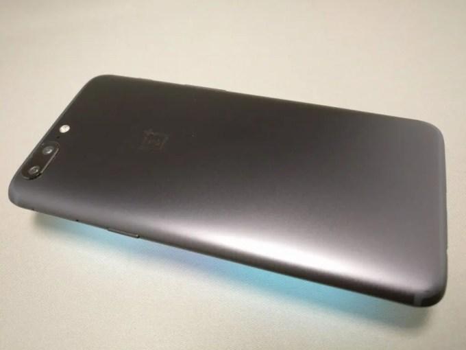 OnePlus5 裏333