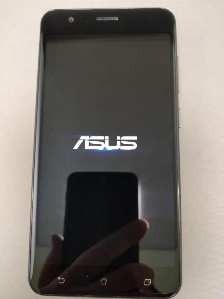 ASUS Zenfone Zoom S 起動2