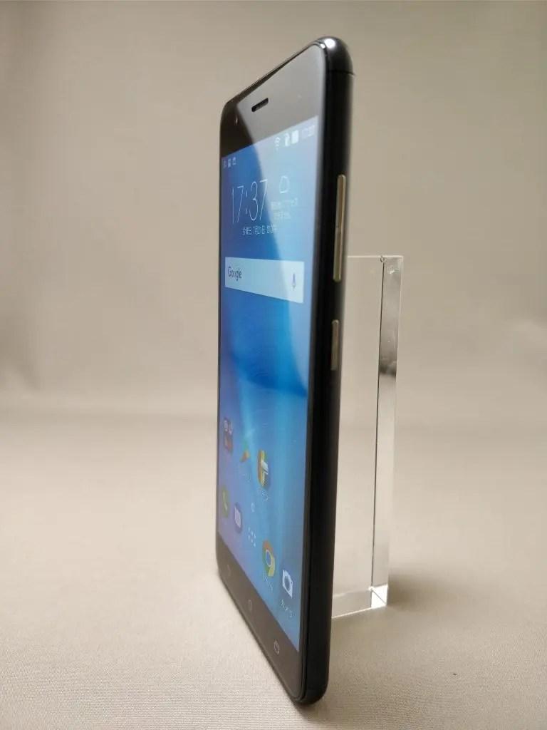 ASUS Zenfone Zoom S 表2
