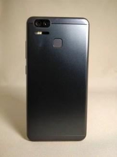 ASUS Zenfone Zoom S 裏面4
