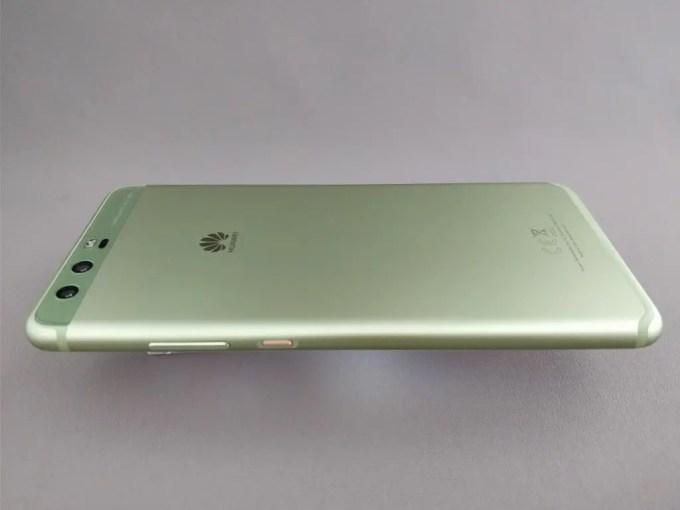 Huawei P10 Plus 裏 横