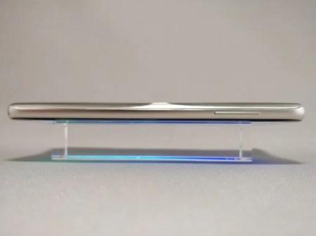 DOOGEE S8 側面 横