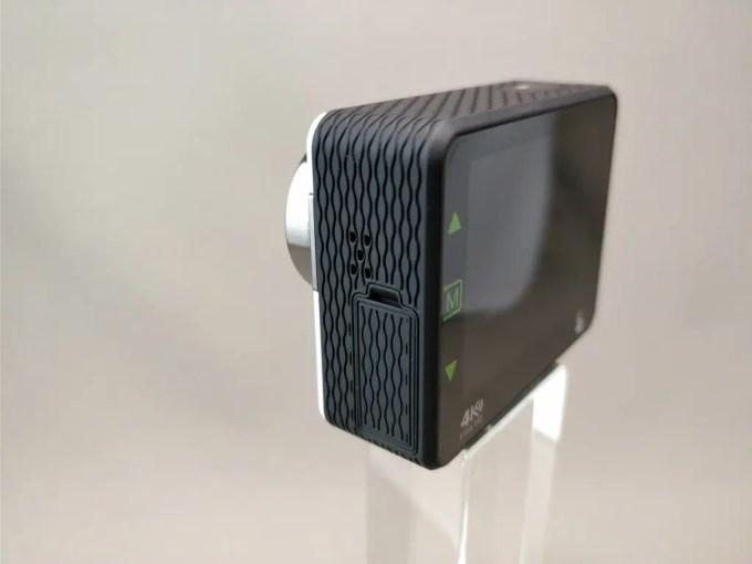 Andoer 4K タッチパネル式 アクションカメラ AN1 本体 裏斜め