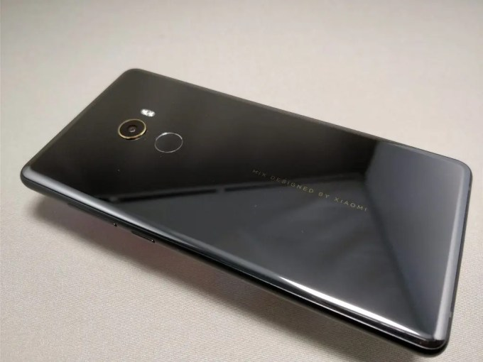 Xiaomi Mi MIX 2 裏 斜め