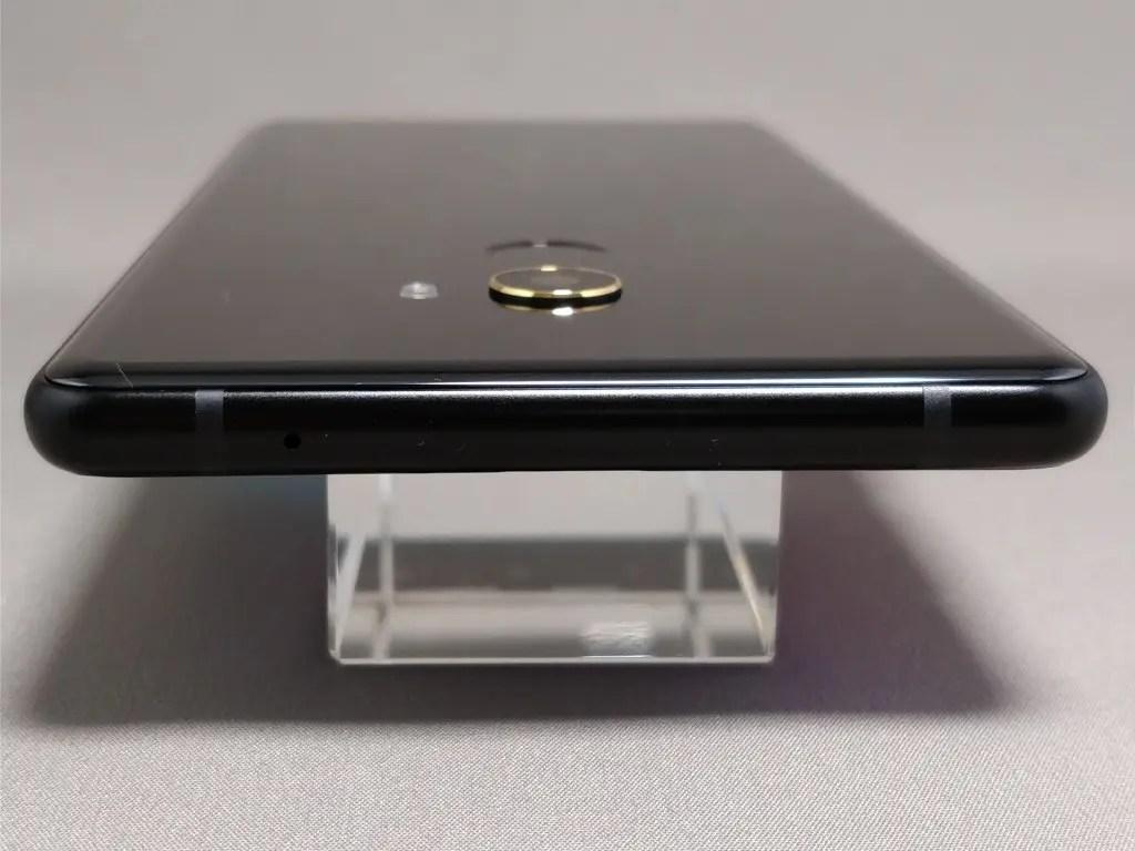 Xiaomi Mi MIX 2 側面上