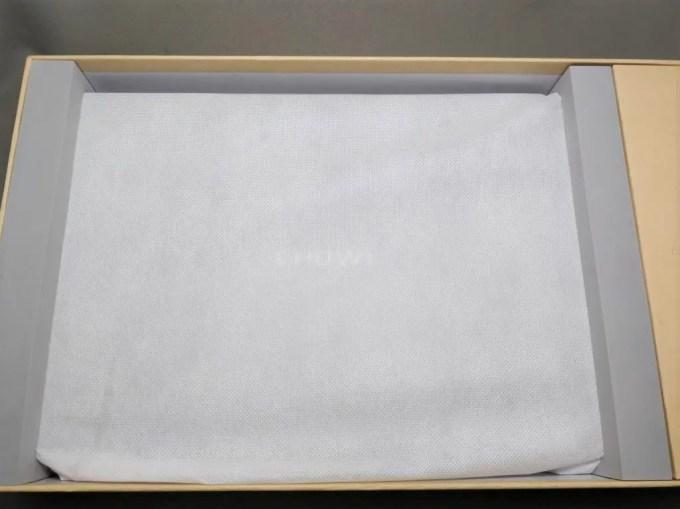 Chuwi Lapbook Air 化粧箱 開封