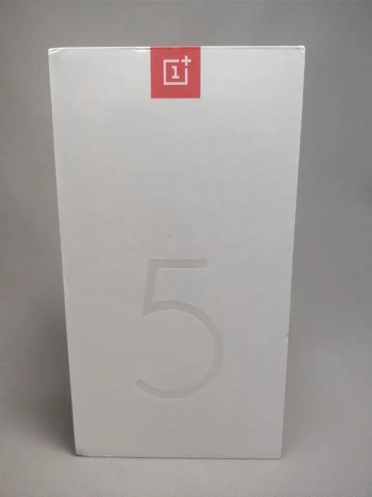 OnePlus 5T 化粧箱 表