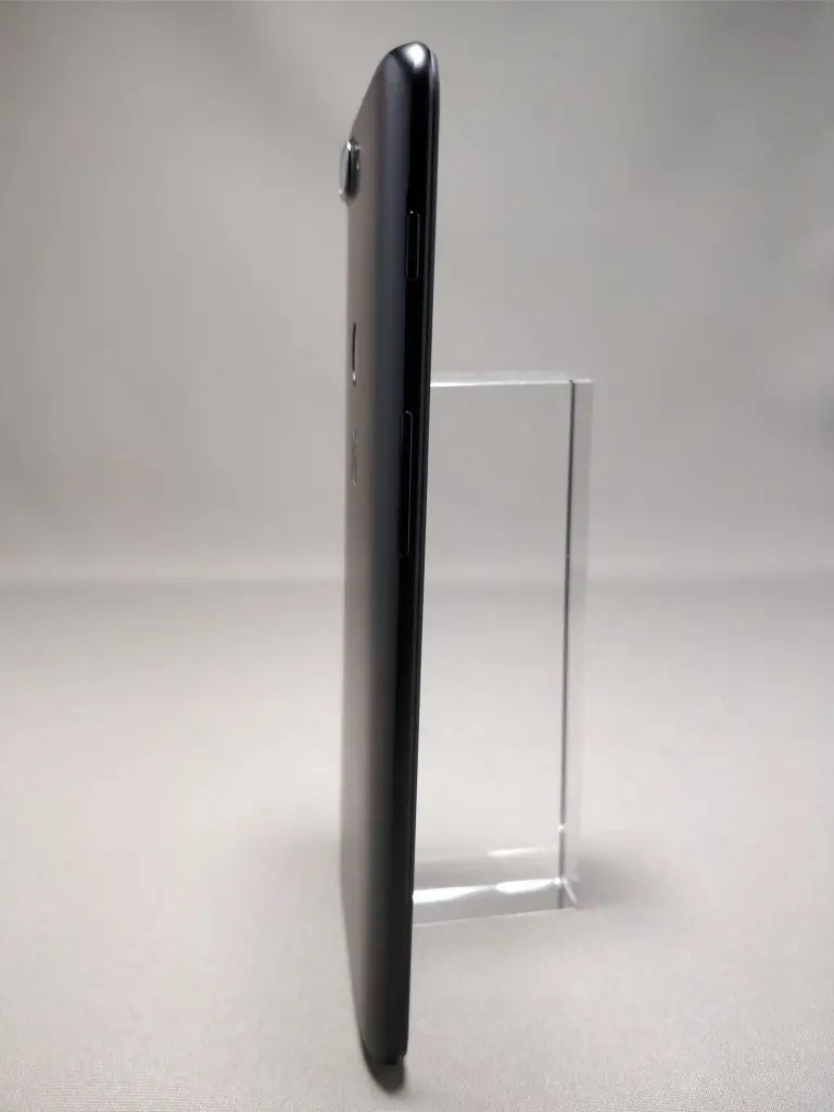 OnePlus 5T 裏1