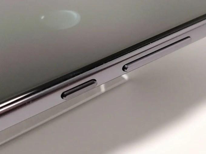 Huawei Mate 10 Pro 側面 ボタン