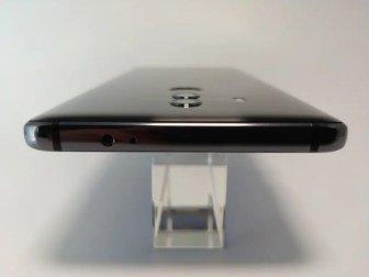Huawei Mate 10 Pro 側面 上