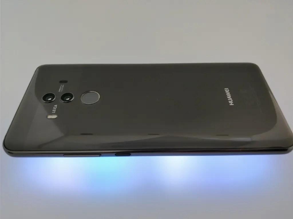 Huawei Mate 10 Pro 裏 横 ライト