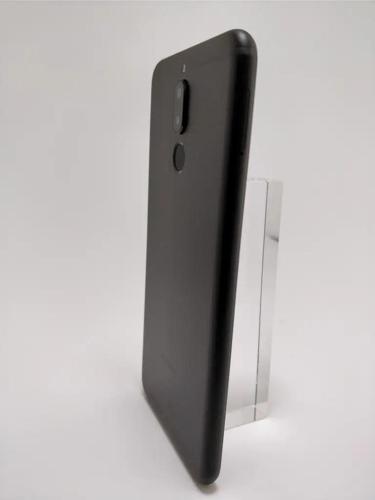 Huawei Mate 10 Lite 裏 2