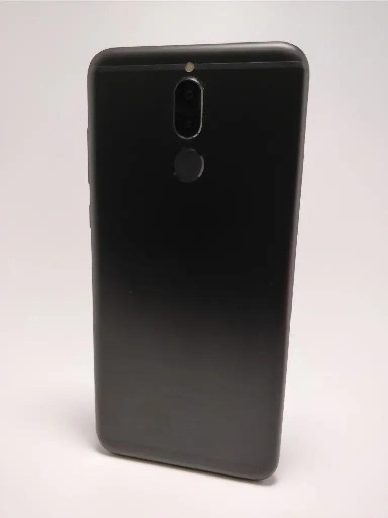 Huawei Mate 10 Lite 裏 6