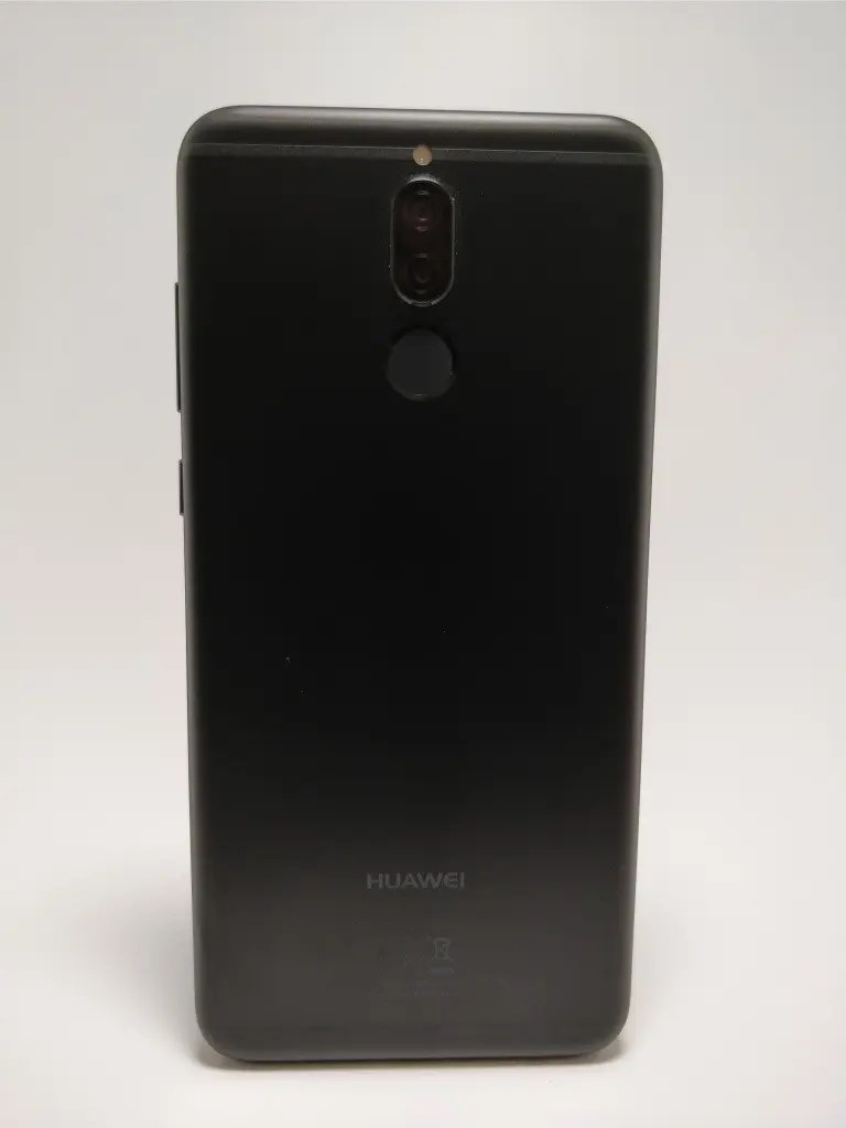 Huawei Mate 10 Lite 裏正面 11