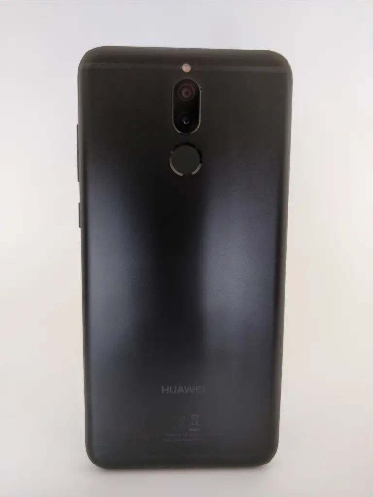 Huawei Mate 10 Lite 裏正面 9