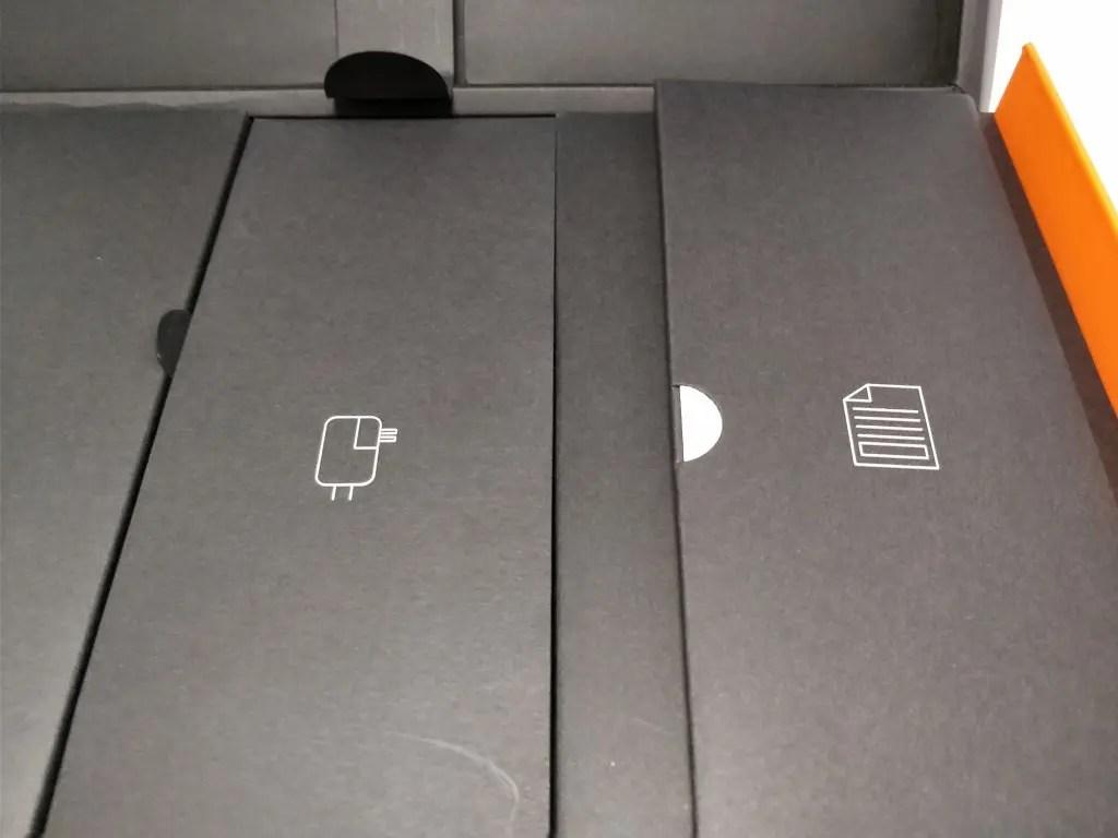 Teclast F7 Notebook 化粧箱 付属品 プラグ