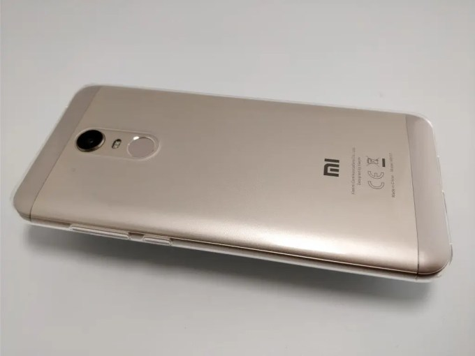 Xiaomi Redmi 5 Plus 保護ケース 裏