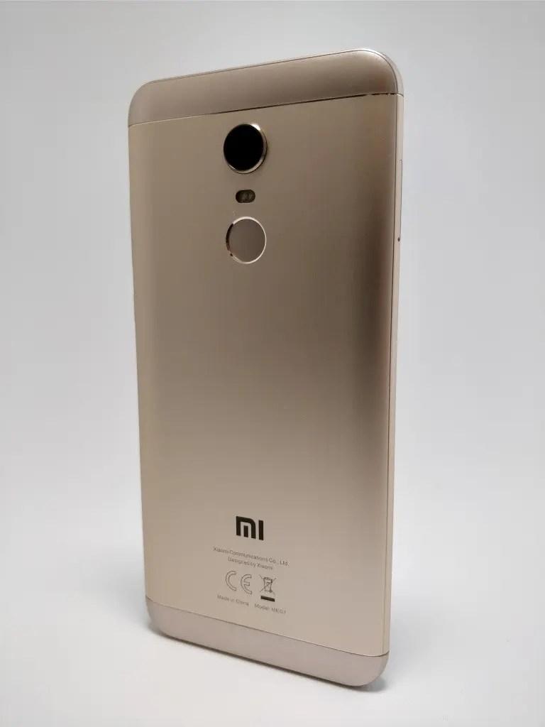 Xiaomi Redmi 5 Plus 裏 6