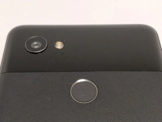 Pixel 2 XL 裏面 上