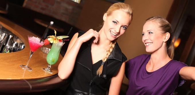 Lexington MILF Friends at the Bar