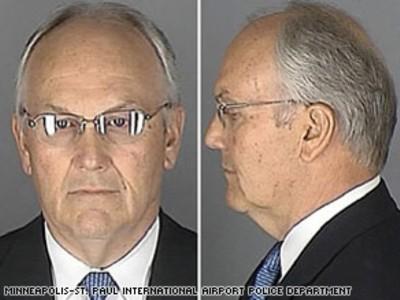Sen. Larry Craig mugs for the camera