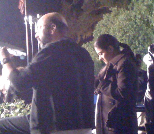 Kajol texting, My Name Is Khan location, Healdsburg, 2009
