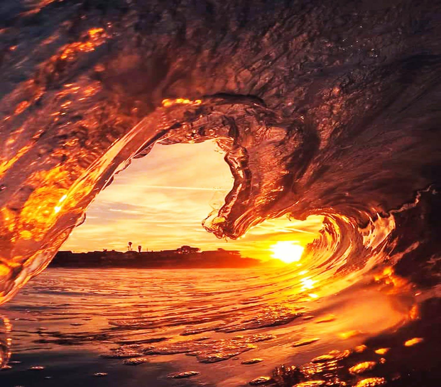 Heart shaped wave