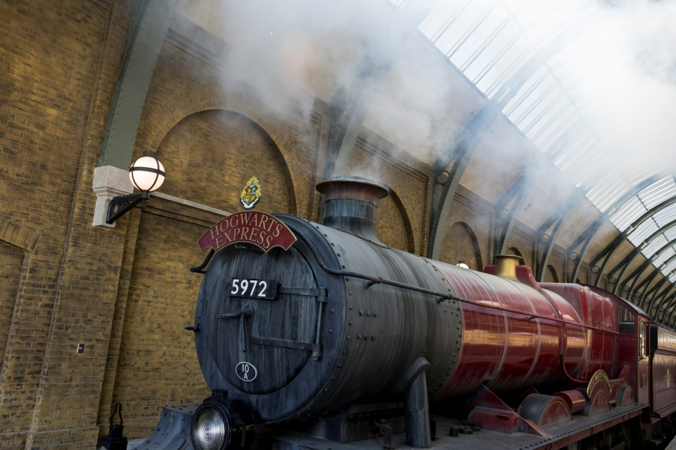 A Look Inside Diagon Alley and Aboard the Hogwarts Express ...