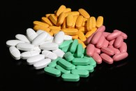 Four_colors_of_pills wiki caplets tablets