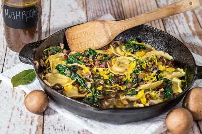 Bacon and Egg Pasta With Mushrooms Spinach / www.beyondmeresustenance.com