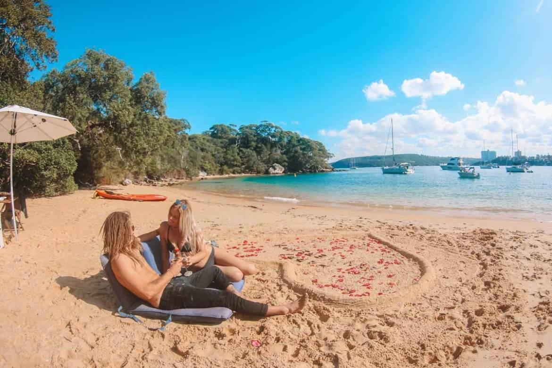 australia-romantic-getaway-beach-and-couple