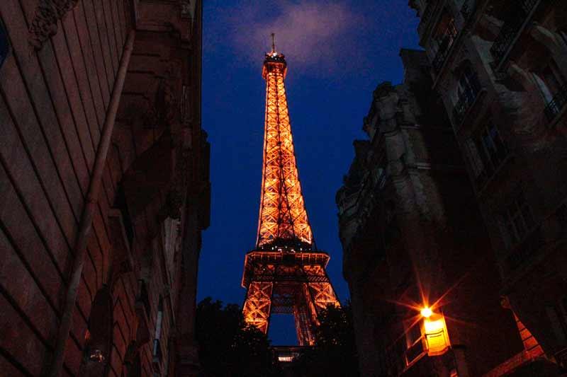 eiffel-tower-at-night-paris