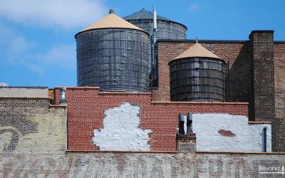 Les Water Towers, icônes des toits new-yorkais