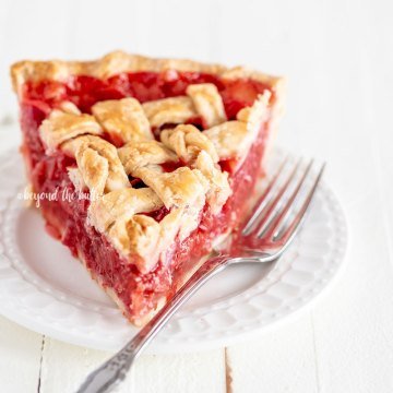 Easy Strawberry Rhubarb Pie Recipe | All Images © Beyond the Butter, LLC