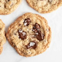 Oatmeal Chocolate Chip Salted Caramel Cookies