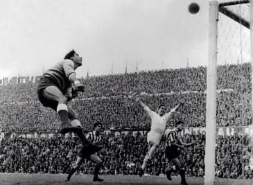 1959 European Cup semi-final, Pazos (Atl Madrid) Kopa (Real Madrid)