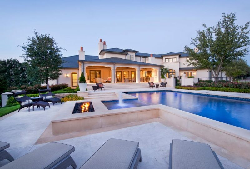 Astonishing swimming pool design on rooftop #swimmingpools #homedecor #indoorpool #outdoorpool