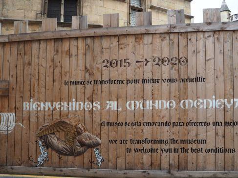 hoarding at musée de cluny