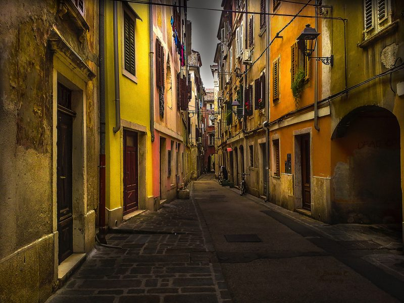 piran-narrow-street