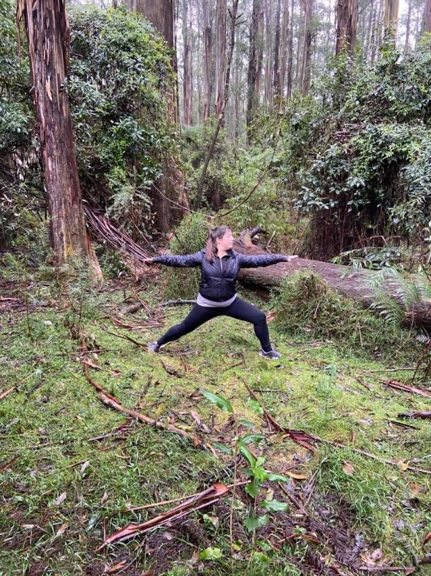 virabadrasana B, warrior I pose, yoga, yoga teacher, yoga in camberwell, yoga psychology, meditation, mindfulness, breathing exercises, pranayama, private yoga classes