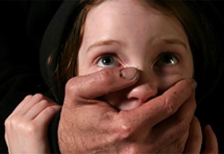 Извращение в Пловдивско: Баща прелюбодейства с 5-годишната си дъщеричка