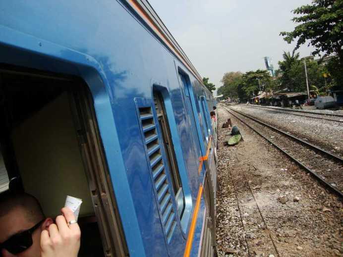 train Bangkok Ayutthaya