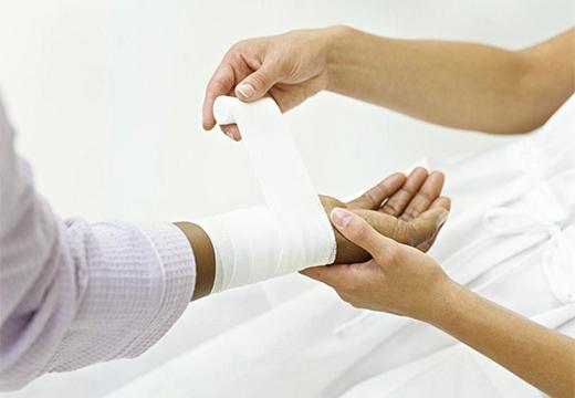 Мазь для заживления ран и трещин с быстрым эффектом: обзор