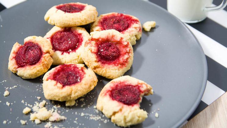 Ciasteczka dla diabetyków z kaszą manną i truskawkami