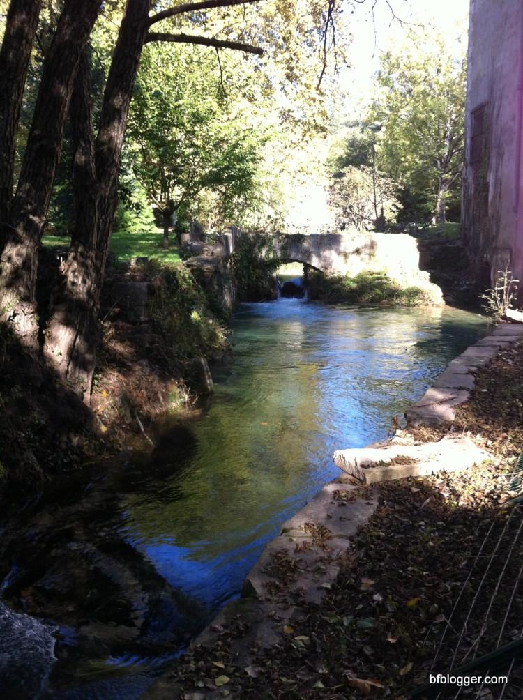 Source of the Pont du Gard in Vallée de l'eure, Uzes