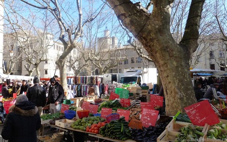 Winter market in Uzes