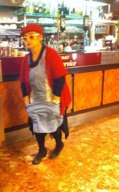 Bar lady, Nimes