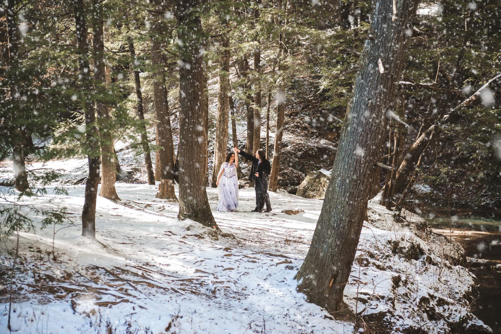 hocking-hills-ohio-wedding-elopement-snow
