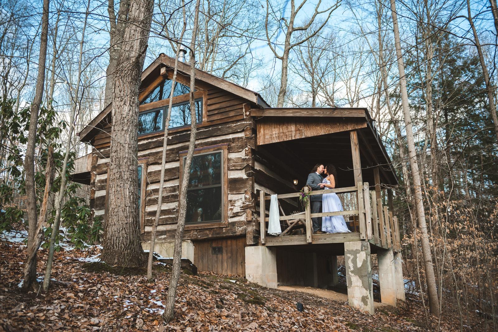 inn-at-cedar-falls-cabin-elopement