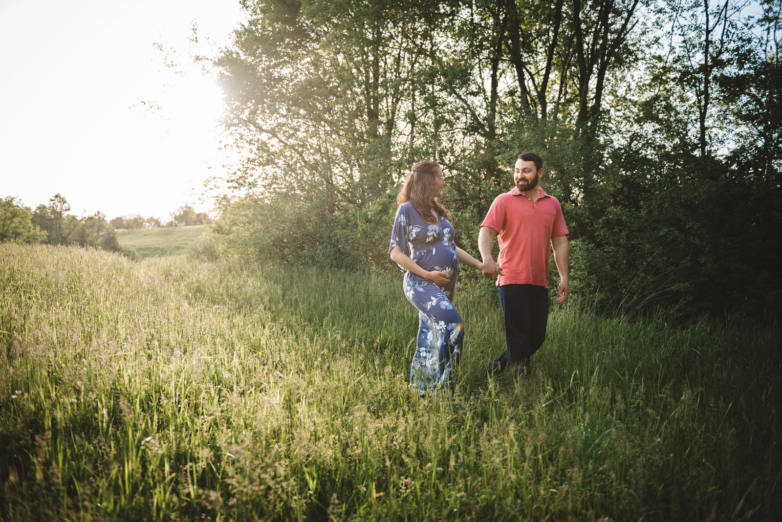 walk-in-field-at-maternity-photo-session